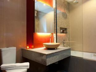 De Coze Hotel Phuket - Deluxe Room - Bathroom