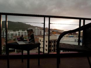 De Coze Hotel Phuket - Deluxe Room - Balcony
