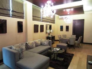 Goldberry Suites & Hotel Мактан Айленд - Вітальня