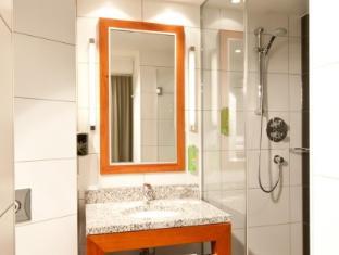 Holiday Inn Berlin Centre Alexanderplatz Berlin - Bathroom