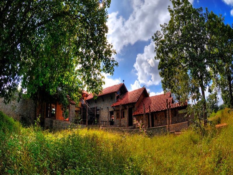 Pugdundee Safaris   Kanha Earth Lodge