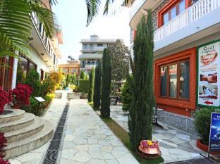 /hr-hr/hotel-peninsula-nepal/hotel/pokhara-np.html?asq=yNgQPA3bPHj0vDceHCVqknbvCD7oS49%2fRVne3hCPhvhI8t2eRSYbBAD43KHE%2bQbPzy%2b04PqnP0LYyWuLHpobDA%3d%3d