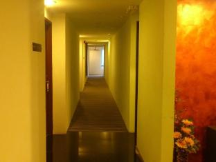 Zotel Business & Leisure Hotel Kuching - Hallway
