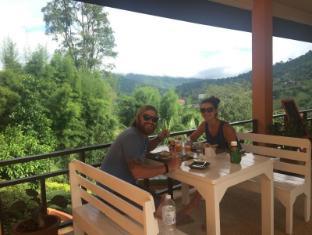 Pong Yang Farms and Resort Chiang Mai - Food and Beverages