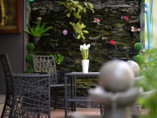 Lavender Hotel Phuket - A szálloda kívülről