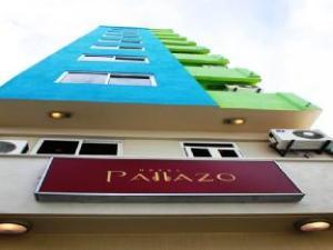 ホテル パッラッツォ (Hotel Pallazo)