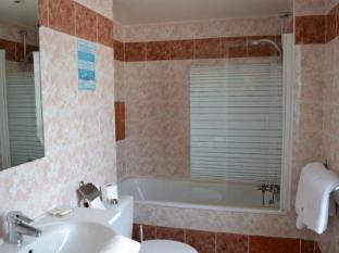 Hotel Touring Paris - Bathroom
