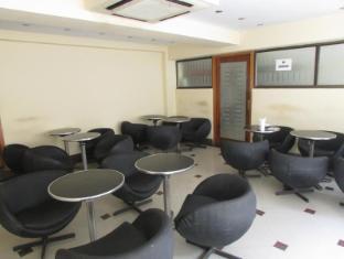 Astoria Hotel Kolkata - Restaurant