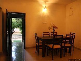 Cricketer's Inn Chennai - Dining Area
