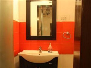 Cricketer's Inn Chennai - Bathroom
