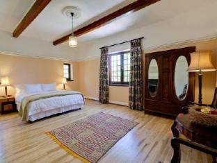 Dornier Homestead Stellenbosch - The Peach Room