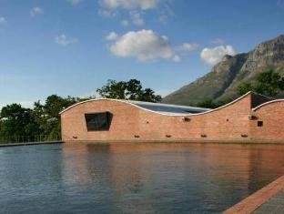 Dornier Homestead Stellenbosch - Swimming Pool