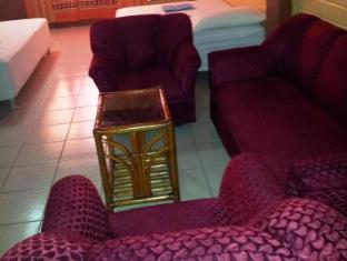 La Maria Pension & Tourist Inn Hotel Mandaue City - Guest Room