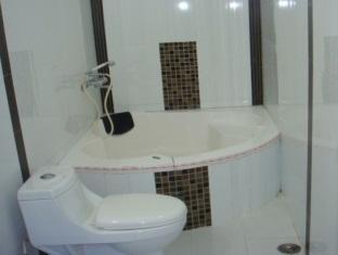 Sita Guest House Varanasi - Bathroom