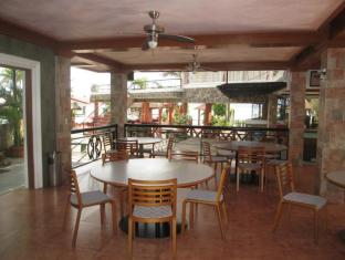 Villa Khristalene Batangas - Food and Beverages
