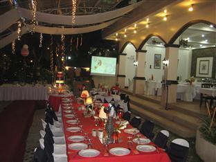 Davao Eagle Ridge Resort Davao City - מסעדה