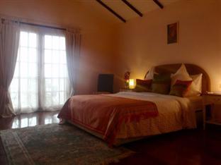 picture 2 of Las Flores Hotel