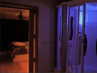 Executive Suite at Emerald Palace Pattaya - Bathroom