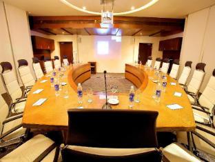 弗洛拉机场酒店 柯枝 - 会议室
