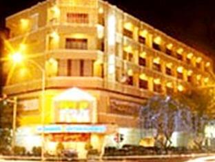 โรงแรมรีกัล พนมเปญ - ภายนอกโรงแรม