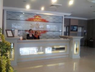 โรงแรมรีกัล พนมเปญ - เคาน์เตอร์ต้อนรับ