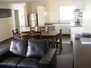 FV4006 Apartments Brisbane - Lounge Room