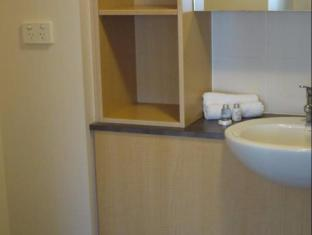 FV4006 Apartments Brisbane - Bathroom