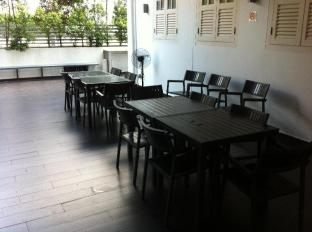 Bunc Hostel Singapore - Dining Area