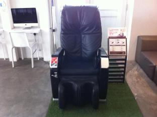 Bunc Hostel Singapore - Massage Chair