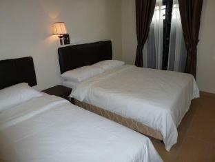 Hotel Hong @ Jonker Street Melaka Malacca - Triple Room