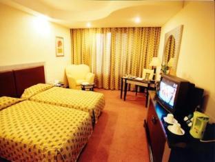 Deccan Plaza Chennai - Superior Room