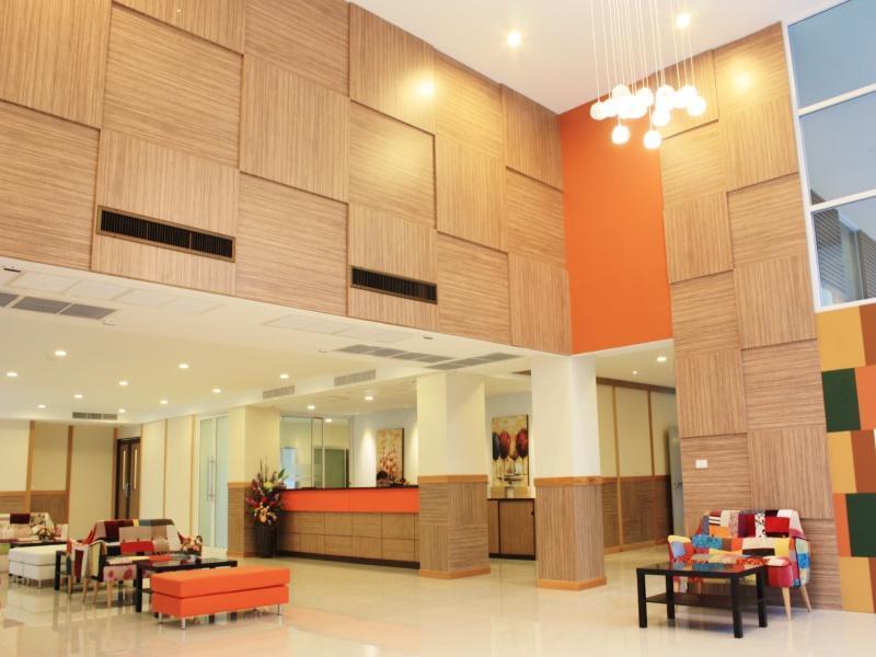 Prom Ratchada Hotel โรงแรมพร้อม รัชดา