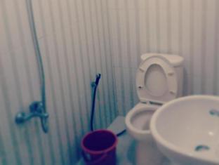 Huiz de Rico Guesthouse Yogyakarta - Bathroom