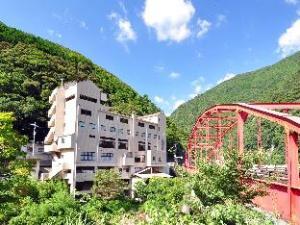 大步危峡曼纳卡酒店 (Hotel Obokekyo Mannaka)