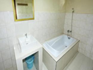 Yuliati House Μπαλί - Μπάνιο
