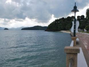 Laila Pool Village Phuket - Atracţii în apropiere