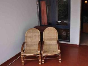 Blue Horizon Guest House Negombo - Balcony Sitting Area