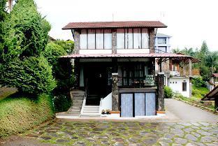 Villa W-5 Bandung Kota