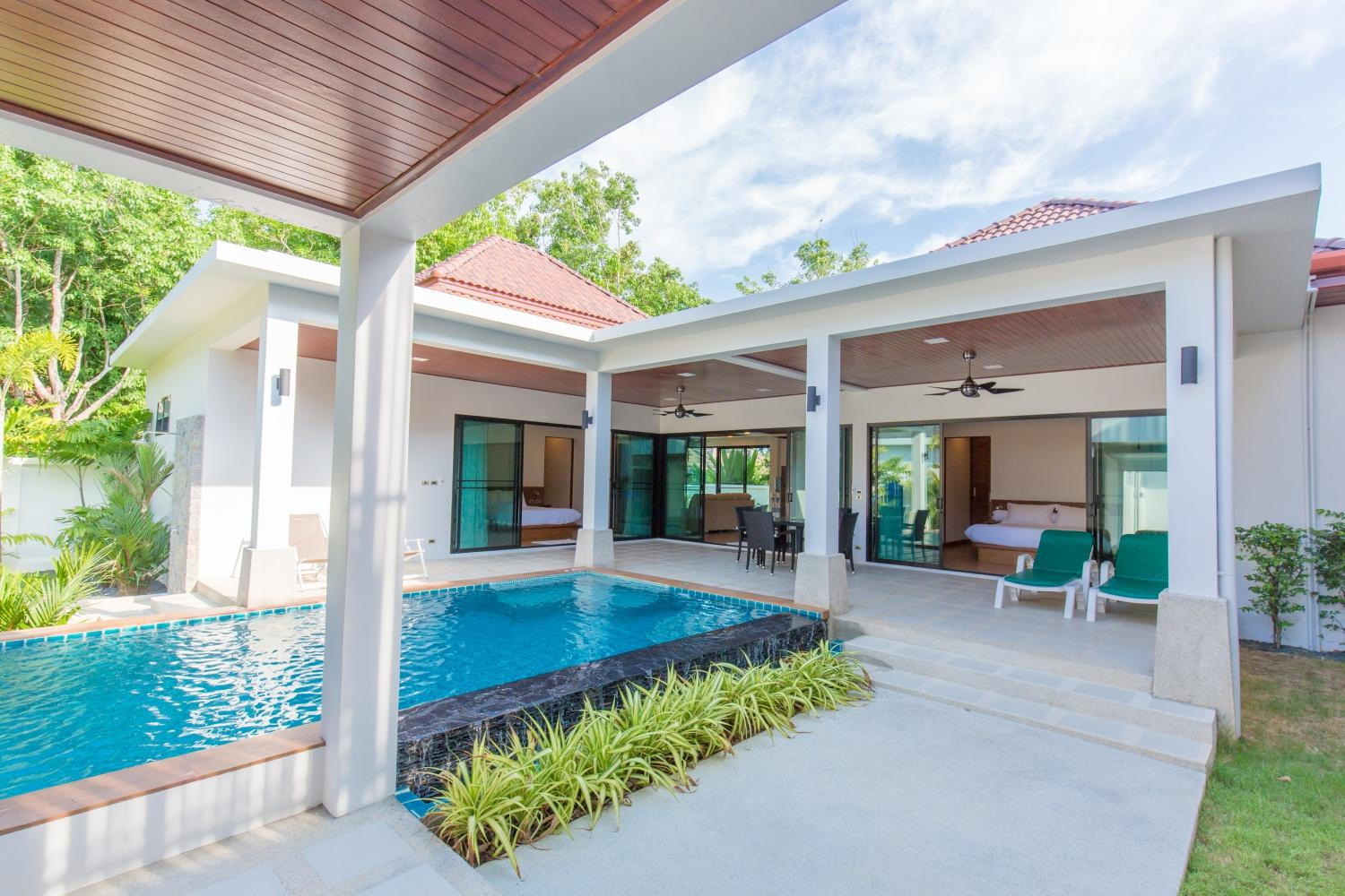 Spacious Family Villa. Calm and Bright with Pool