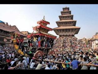 Nepa: Guest House Bhaktapur - Festival During 9 Apr-17 Apr 2012