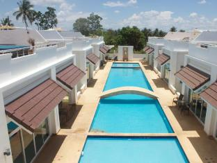 Pineapple Hills Resort