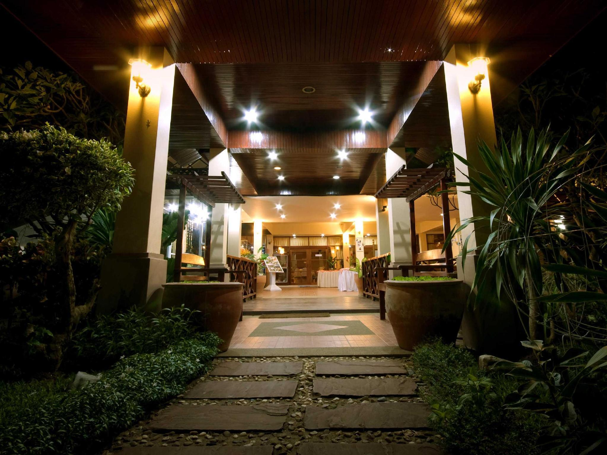 Petchrimtarn Resort เพชรริมธาร รีสอร์ท