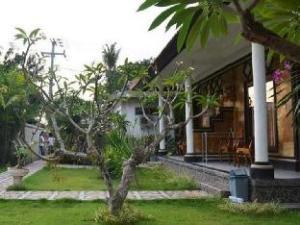 Arya Inn Lembongan