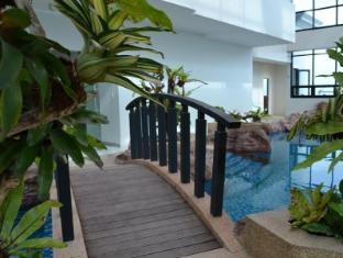 BSA Twin Tower Ortigas Manila - Swimming Pool