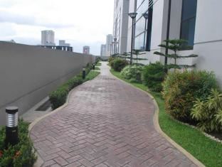 BSA Twin Tower Ortigas Manila - Jogging Path