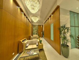 BSA Twin Tower Ortigas Manila - Hotel Lobby