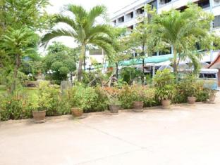 Chaleunxay Hotel Vientiane - Garden