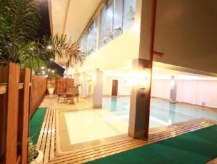 Dohera Hotel Mandaue City - Piscină