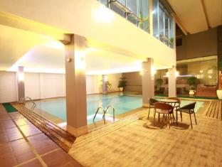 Dohera Hotel Mandaue - Плувен басейн