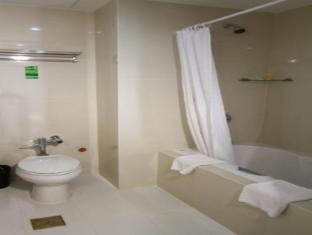 Dohera Hotel Mandaue Stadt - Badezimmer
